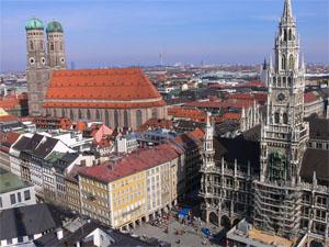 Dom und neues Rathaus (Bild: Der Weg)