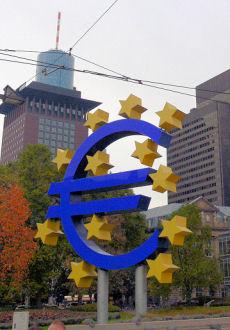 Eurosymbol in Frankfurt (Bild: Der Weg)