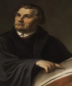 Martin Luther mit Bibel