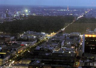 Berlin bei Nacht (Bild: Der Weg)