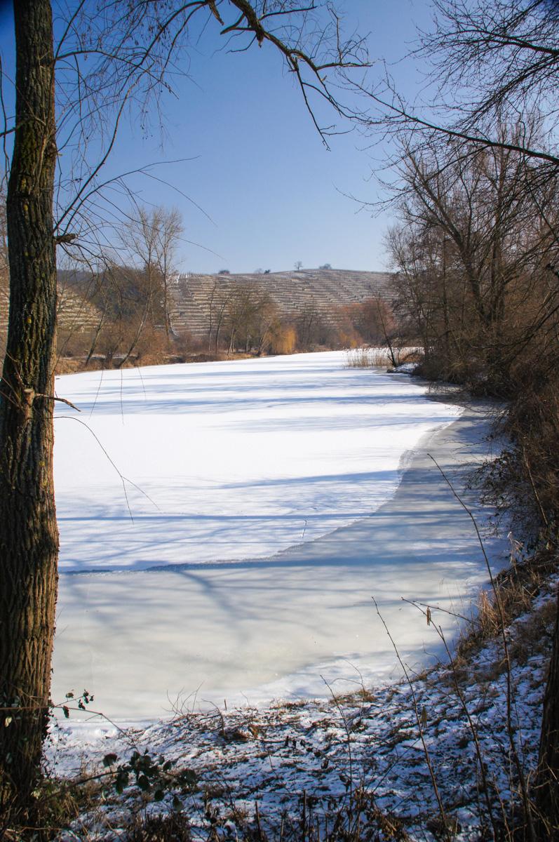 Vereister See (Bild: Der Weg)
