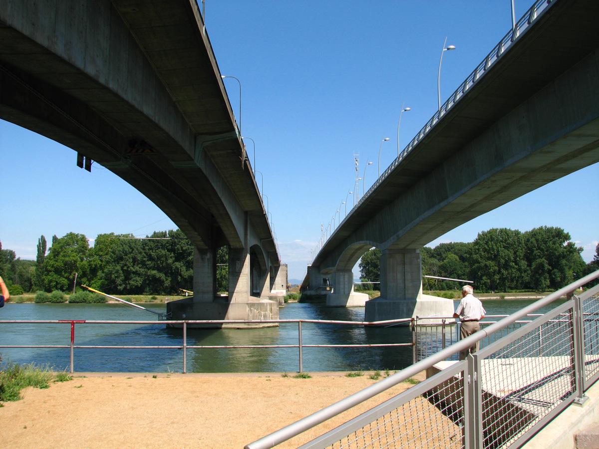 Brücken (Bild: Der Weg)