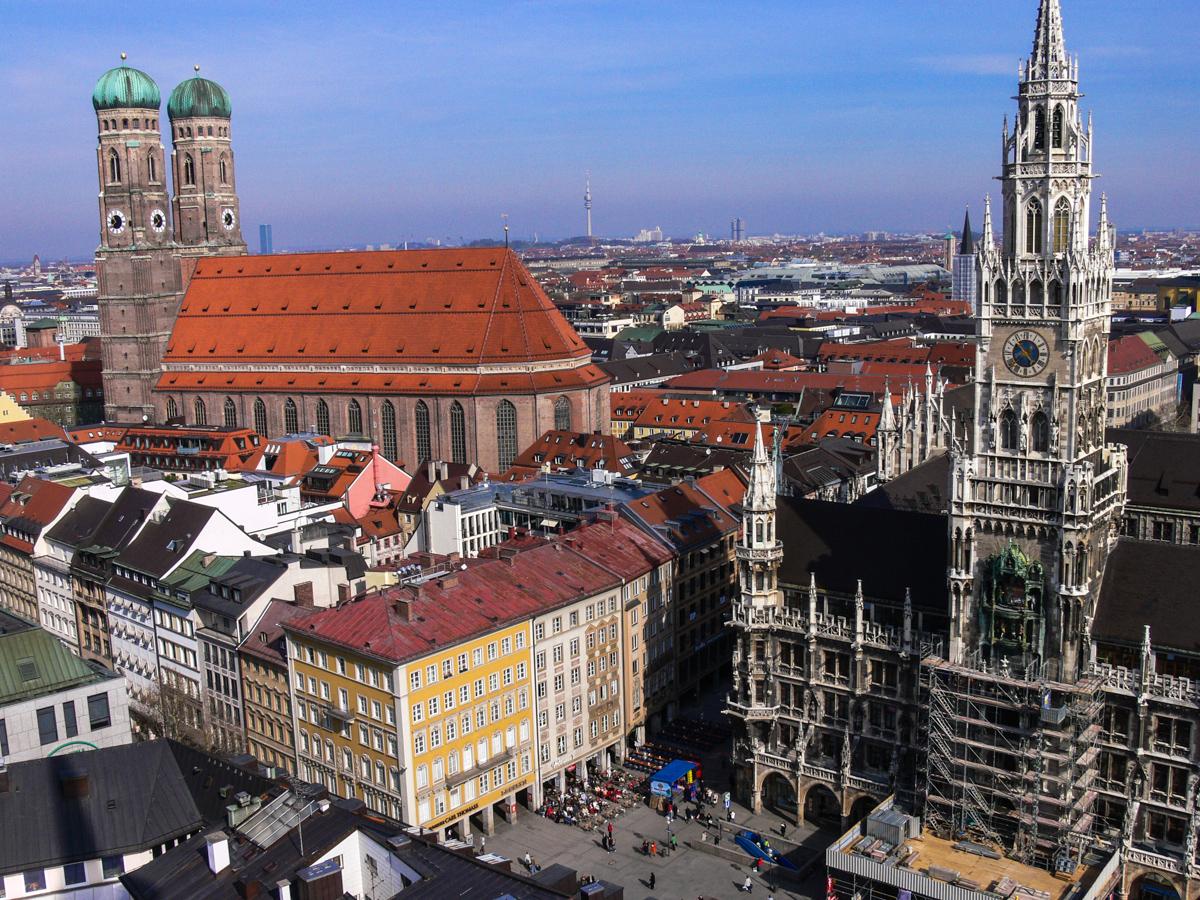 Dom und neues Rathaus (Bild: Der Weg )