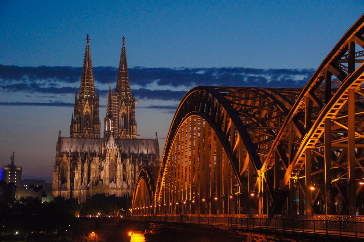 Dom und Hohenzollernbrücke (Bild: Der Weg)