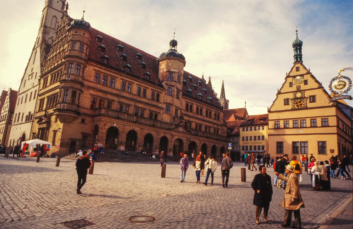 Rothenburg Marktplatz (Bild: Der Weg)