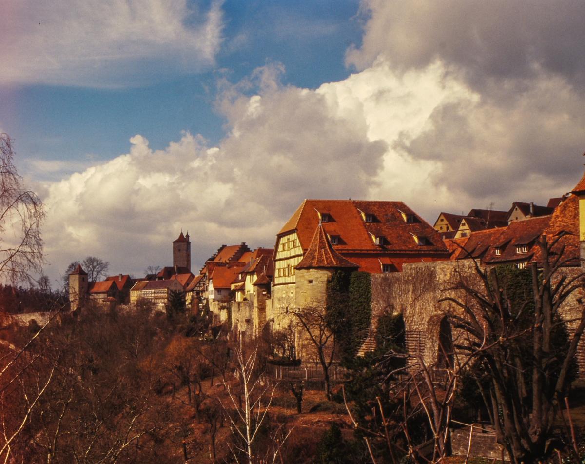Rothenburg Stadtmauer (Bild: Der Weg)