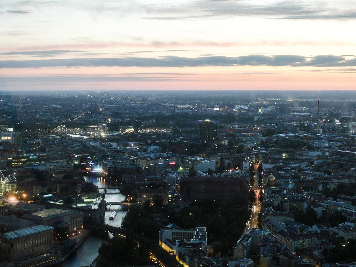 Sicht auf Berlin vom Fernsehturm (Bild: Der Weg)