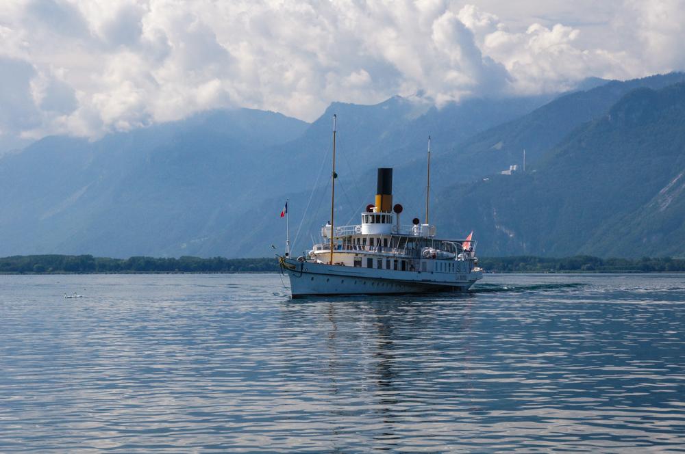 Schiff auf dem Genfer See (Bild: Der Weg)